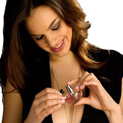 Colar Porta-Perfume Esme Dourado
