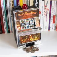 mealheiros, slot machine, poupar, dinheiro, 24042013ES, 29052013ES, santospopulares, Dia da Criança, Férias Páscoa
